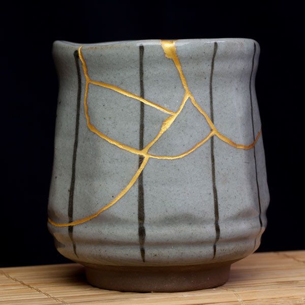 Cup mended using the kintsugi technique