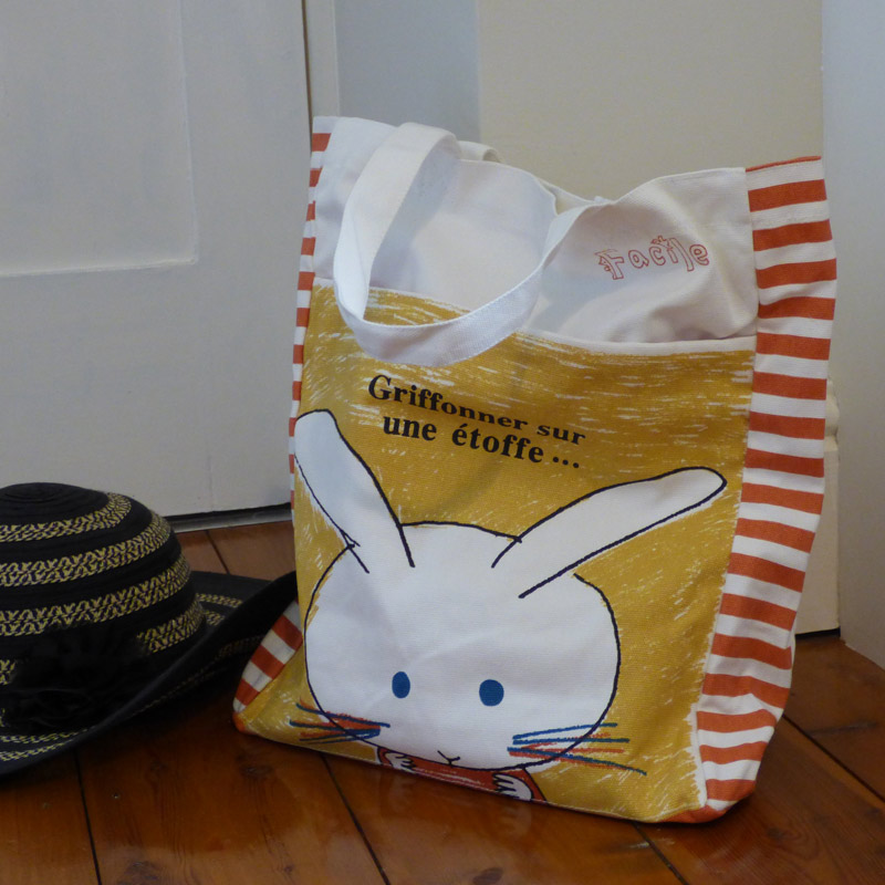 Rabbit tote bag (Accessories)