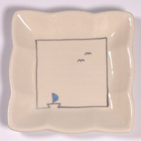 Square mini plate with boat and seagulls design