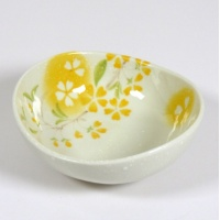 'Petal' porcelain bowl in yellow