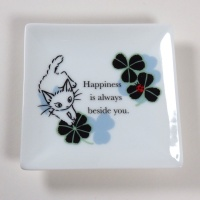 'Ribbon Cat' square mini plate with white cat design