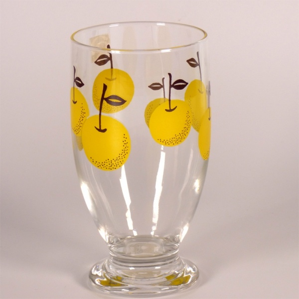 Glass tumbler with retro 'Nashi Pear' design