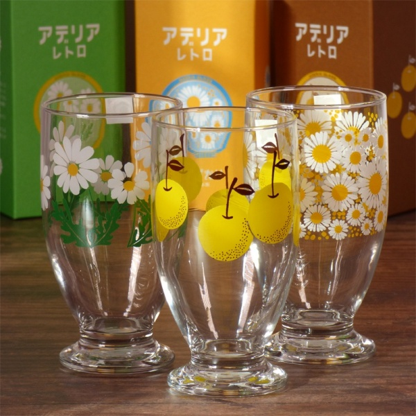 Set of three retro design drinking glasses