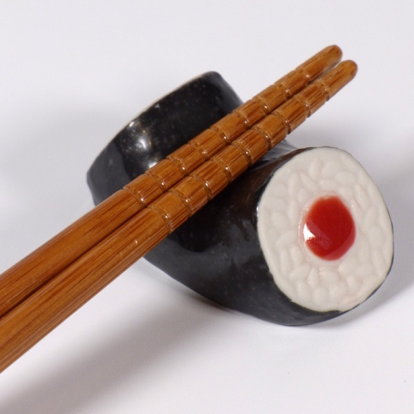 Tuna maki roll ceramic chopstick rest