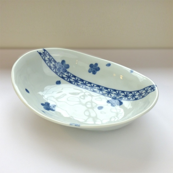 Blue Blossom pattern Japanese ceramic oval bowl