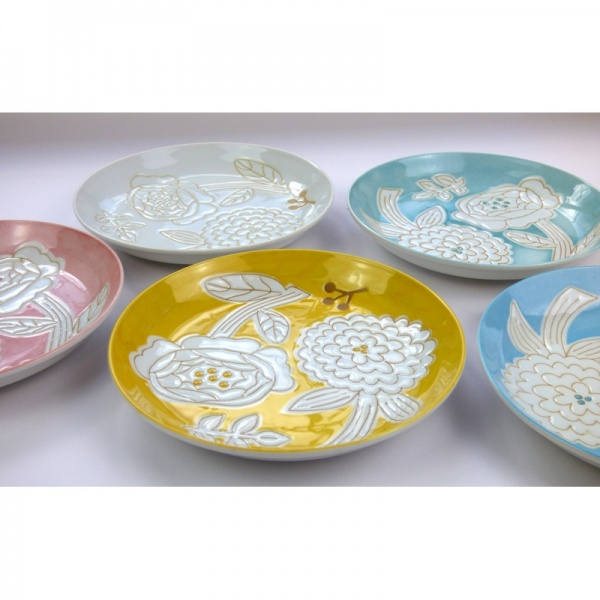 Set of Japanese flower pattern plates