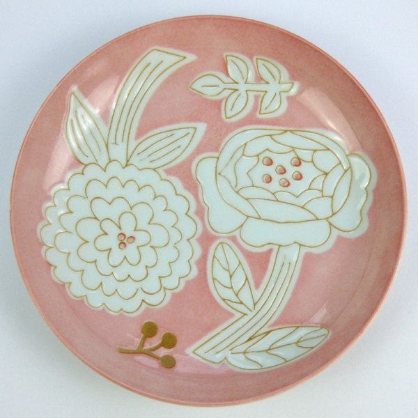 Pink Japanese flower pattern plate