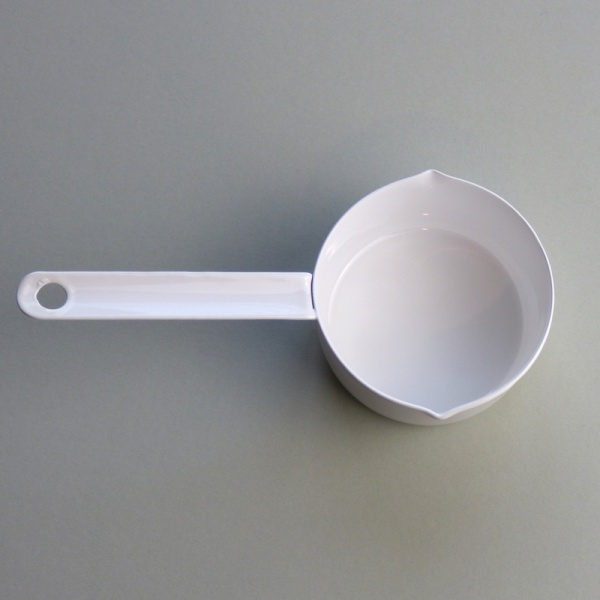 White enamel measuring cup 100ml - top view