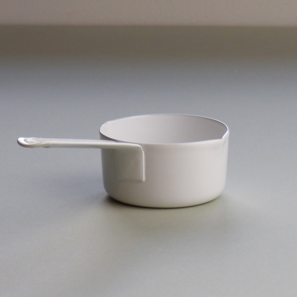 White enamel measuring cup 50ml