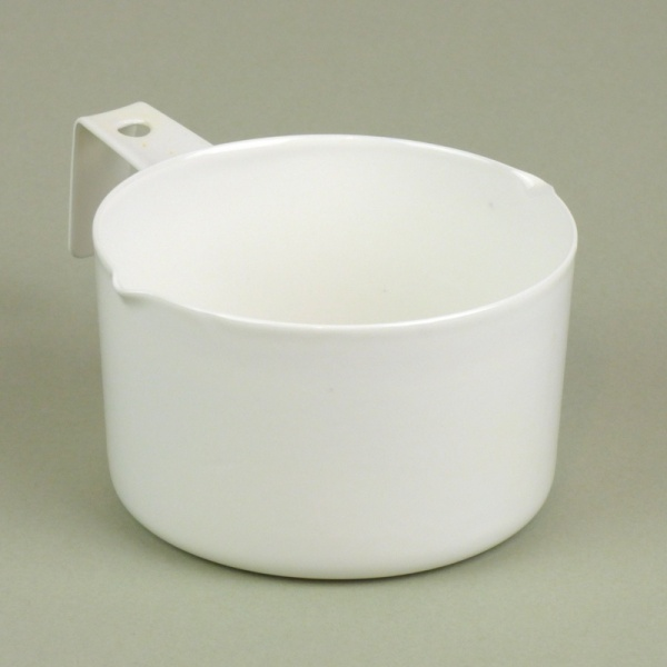 White enamel measuring scoop, 200ml