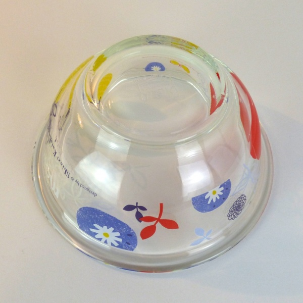 'Moi' glass mixing bowl under side