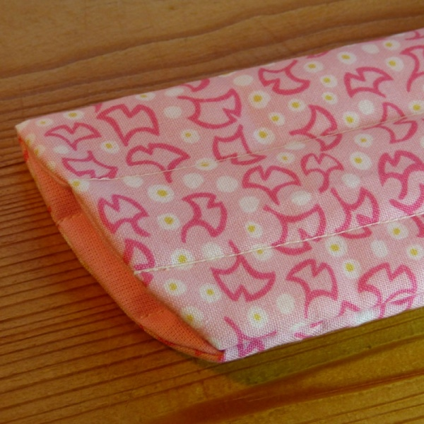 Handmade quilted glasses case in pink ginkgo print - detail