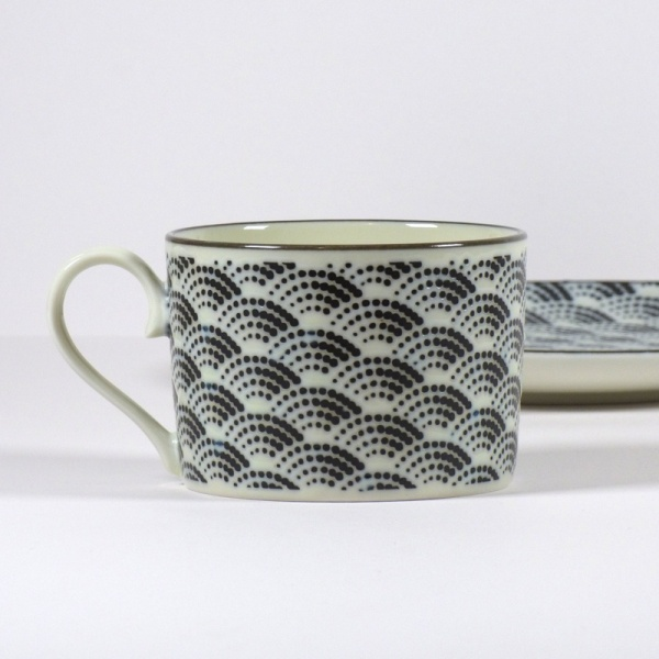 Monochrome Qinghai wave pattern straight sided coffee cup