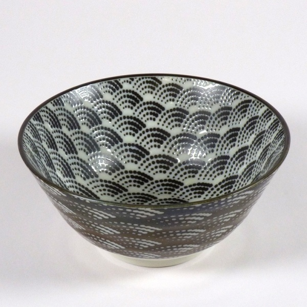 Monochrome Qinghai wave pattern rice bowl