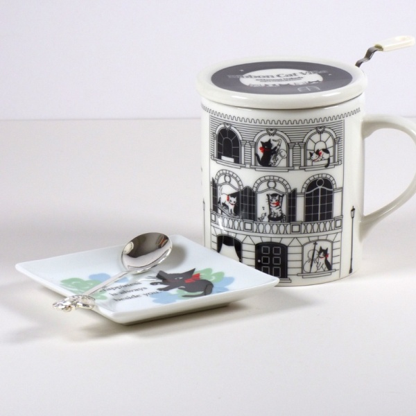 Square 'Ribbon Cat' mini plate with Ribbon Cat mug