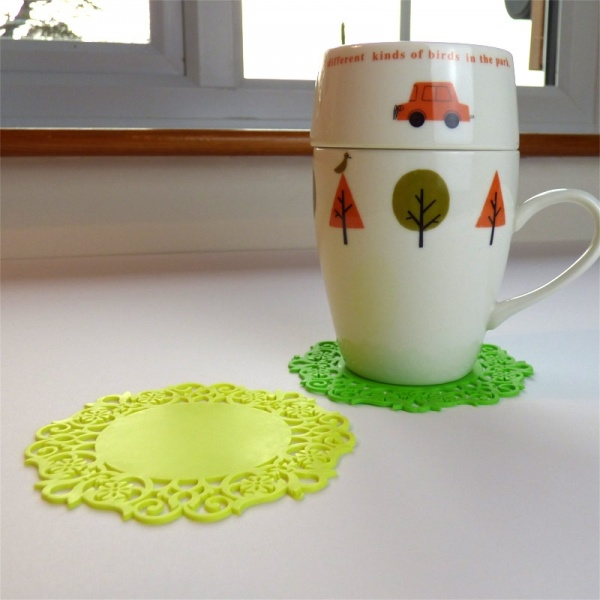 Silicone lace coaster - yellow and green