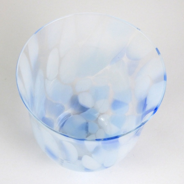 Blue 'Sora' glass drinking tumbler