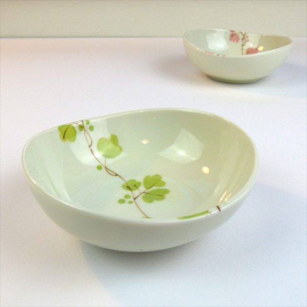 Vine flowers pattern ceramic bowls