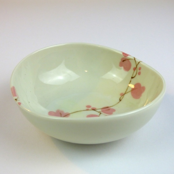 Ceramic bowl with pink vine flowers pattern, side profile