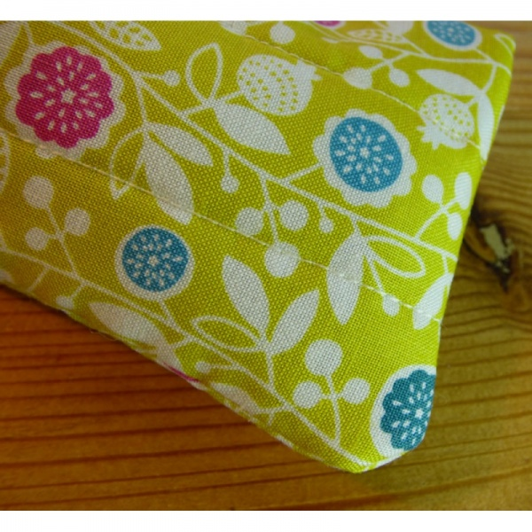 Handmade quilted glasses case in yellow vine floral print - detail