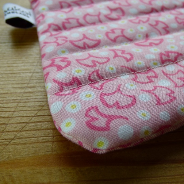 Zip makeup bag or pouch in pink ginkgo leaf pattern fabric - detail
